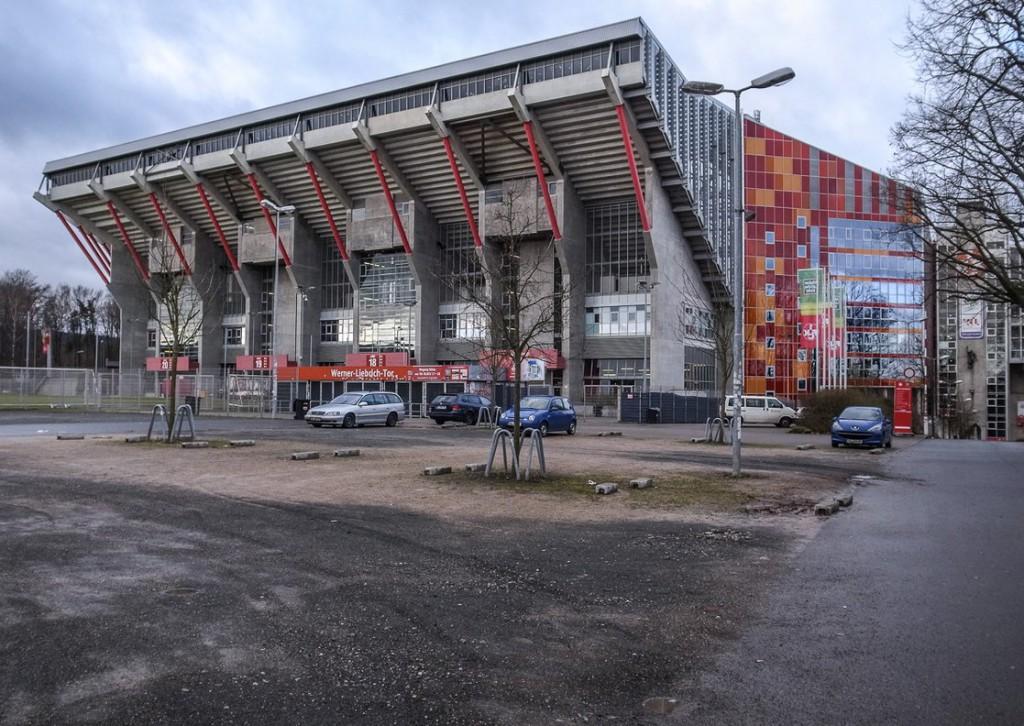 Fritz-Walter-Stadion (Außenansicht)