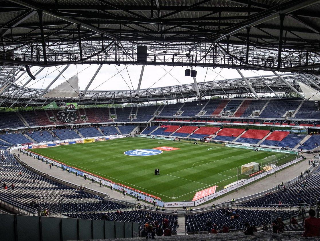 HDI-Arena (Innenansicht)