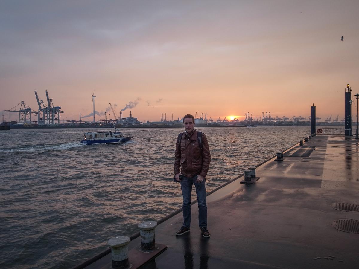 Abendstimmung am Hafen (Portrait)