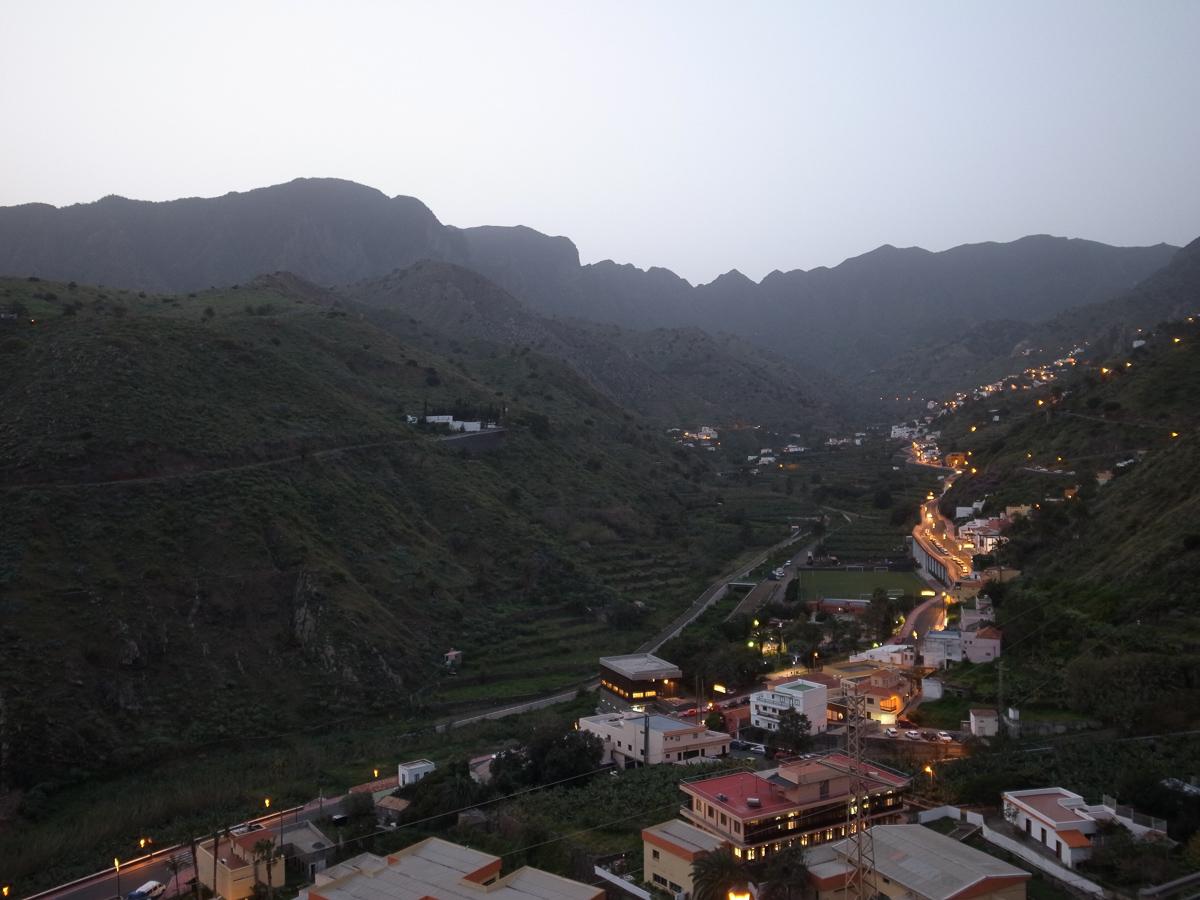 Hinter diesen Bergen wartet San Sebastian