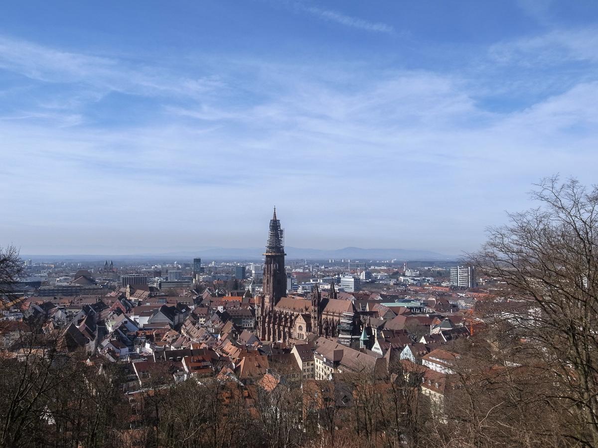 Blick vom Kanonenplatz auf das Freiburger Münster