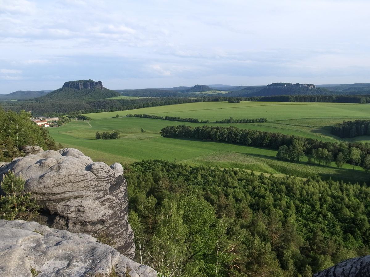 Ausblick vom Wanderweg rund um den Rauenstein