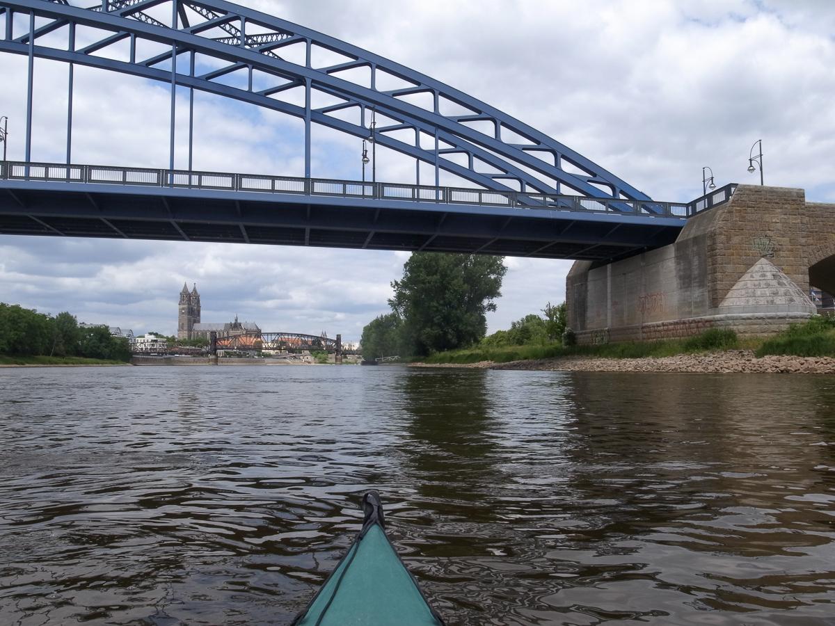 Kurz vor Magdeburg