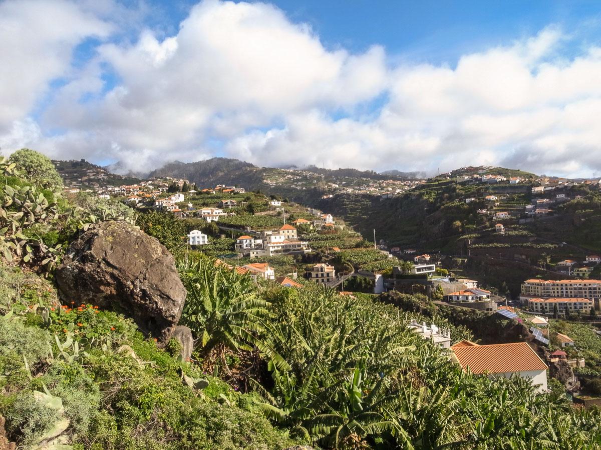 Über den Dächern von Porto do Sol