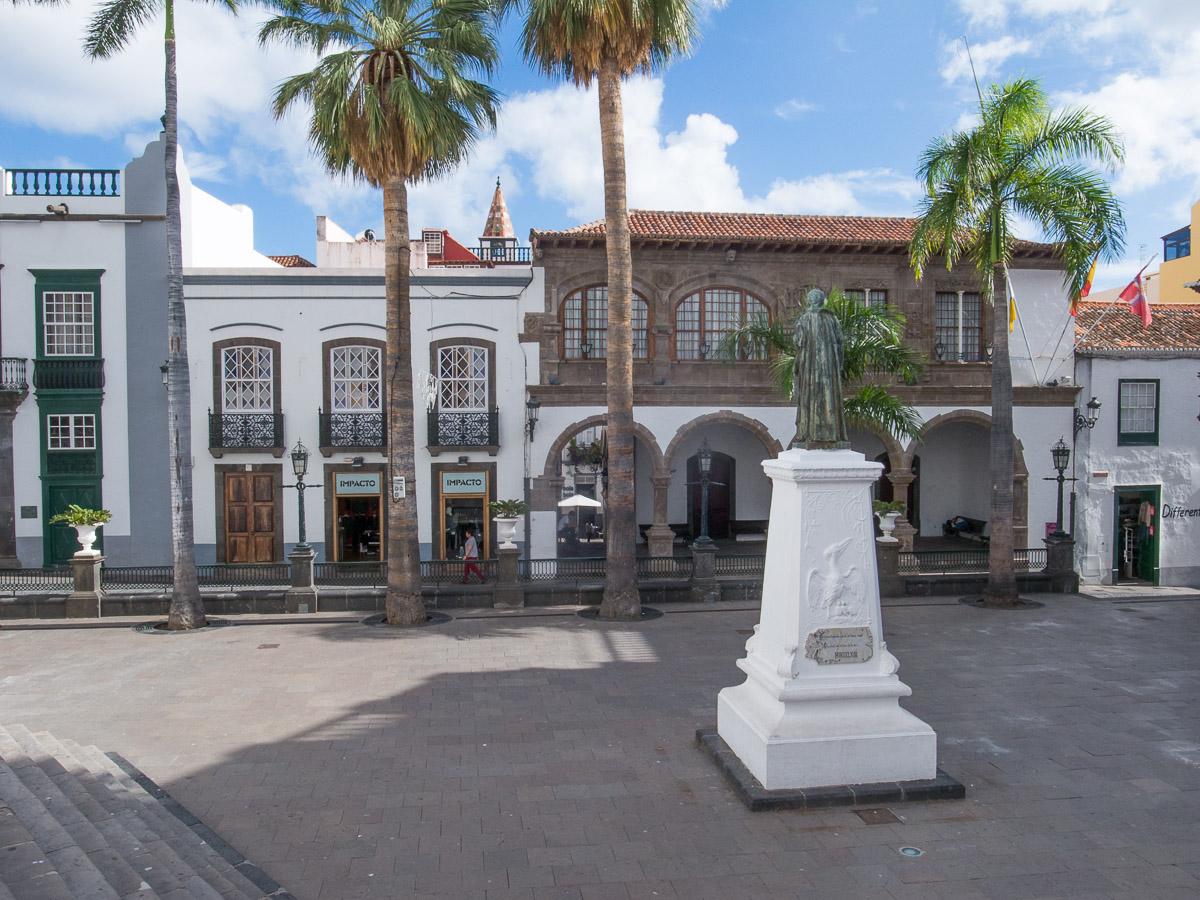 Rathausplatz in Santa Cruz