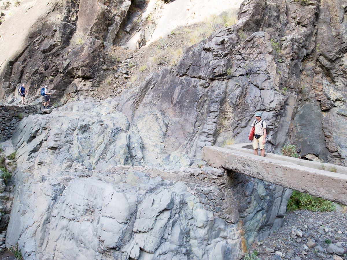 Abenteuerlicher Abstieg im Flussbett
