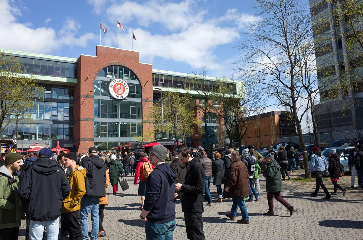 Millerntor-Stadion (Außenansicht zentral)