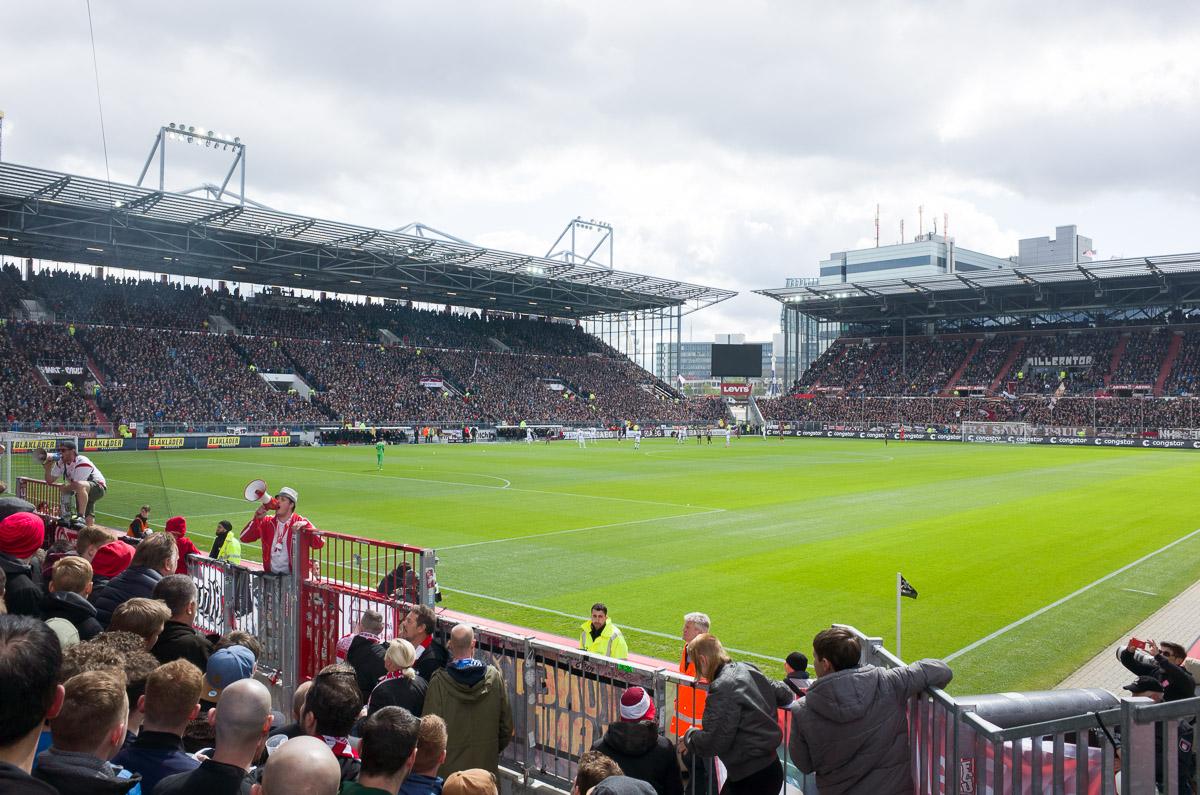 Millerntor-Stadion (Innenansicht)