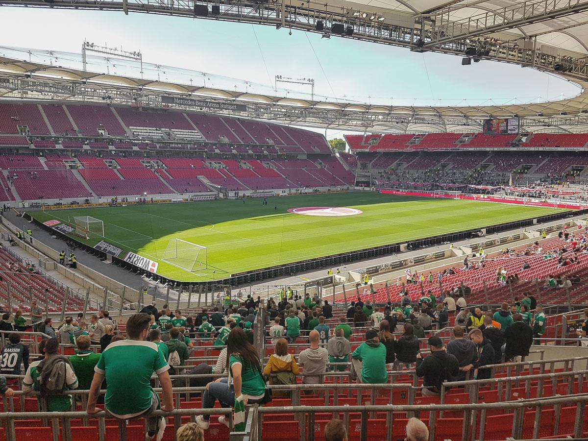 Mercedes-Benz Arena (Innenansicht)